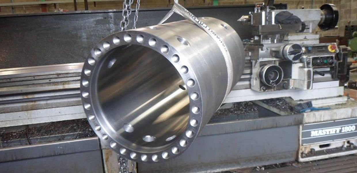 large bore hydraulic cylinder being manufactured
